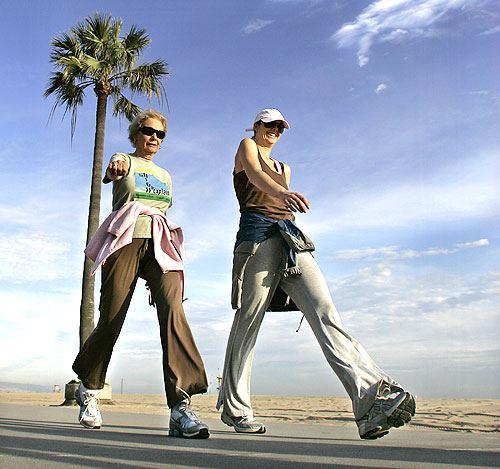ウォーキングは健康の近道。1日25分のウォーキングで寿命が7年延びる!