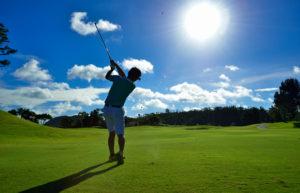 ゴルフ初心者、上級者必見!スイング安定の鍵は股関節の柔軟性にあった!?