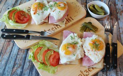 【筋トレと食事の関係】食事を摂るタイミングは前と後どちらが効果的?